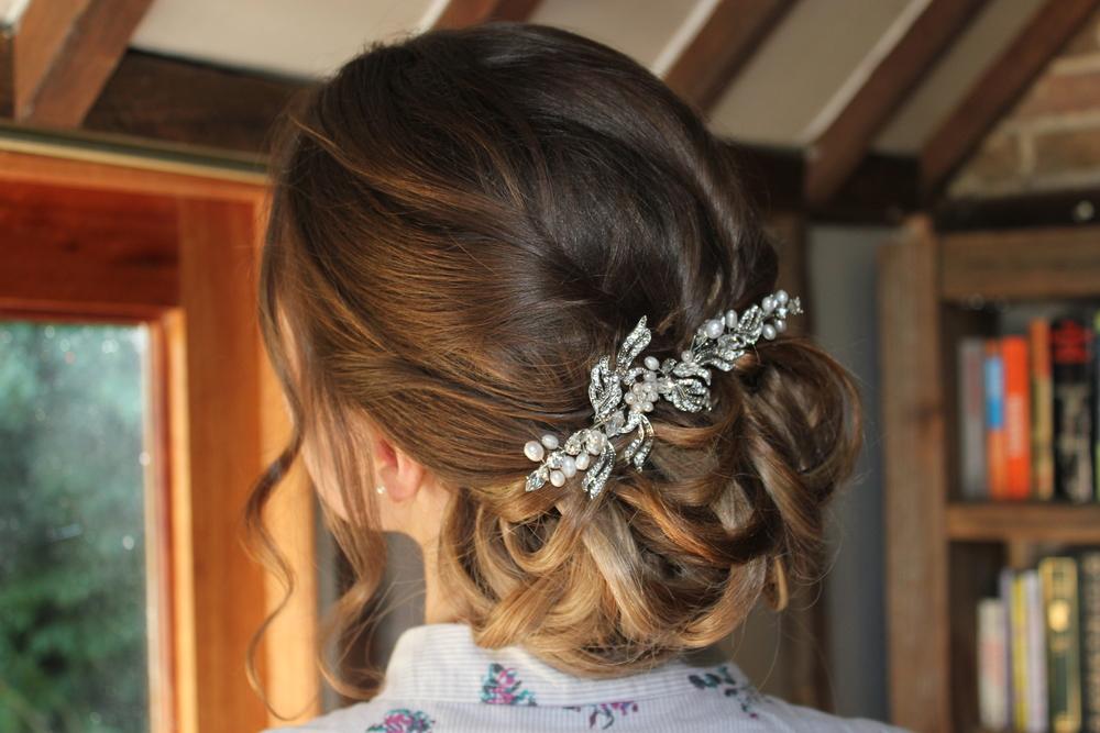 Elegant vintage hair clip