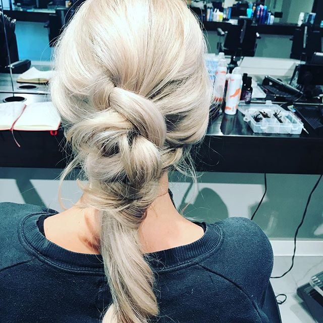 Undone goodness #BTS at @bumbleandbumbleuk . . #hair #creativehair #bumbleandbumble #haireducator #haireducation #hairideas #blonde #hairup #weddinghairbutcooler #mywork #photoshoot #lovehair 💋