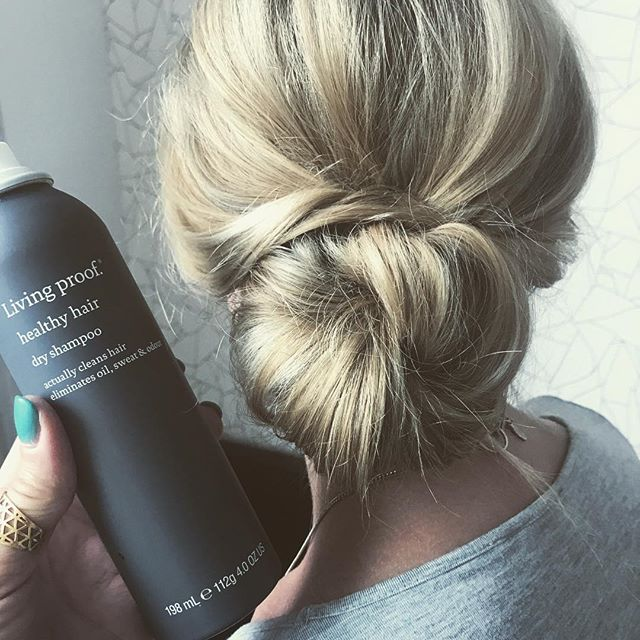 Spent today playing with @livingproofinc products in a hotel in London. When you've added too much product and it's  time to call it a day, add #healthyhair Dry Shampoo, sweep into a bun & go for dinner  #BOOM 💥 . . . #livingproof #healthyhair #dryshampoo #productlover #hair #haireducator #haireducation #chignon #bun #hairup #messybun #hairstyling #hairstylist #haircourse #london #hairdresser #hairtip 💋