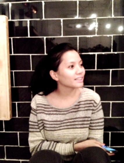 Thanya Ponggawa- Founder & Owner. Berawal dari hobi menata kamar tidurnya sendiri, Thanya menjadi interior designer untuk Goedkoop. Ia memiliki kreatifitas yang tinggi sehingga dapat melakukan apapun yang berhubungan dengan design.Memiliki obsesi terhadap gumpalan awan serta makanan dan minuman yang milky. Menu favorit di Goedkoop: Iced Cafe Bon Bon & Chicken Steak.