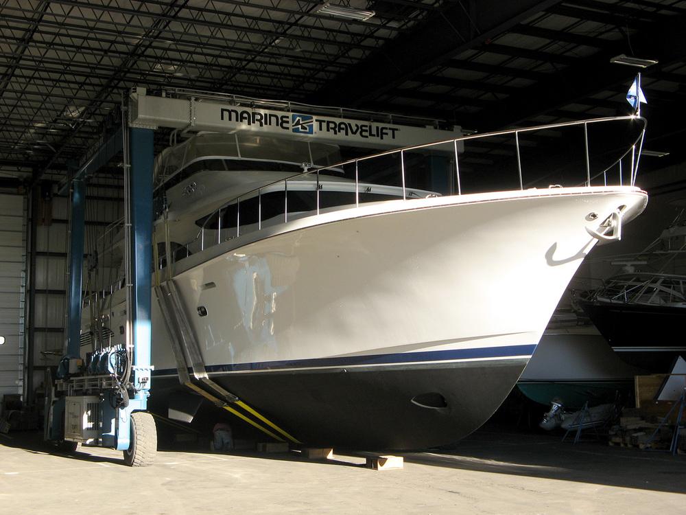 1500-81'motoryacht-insidestorage.jpg