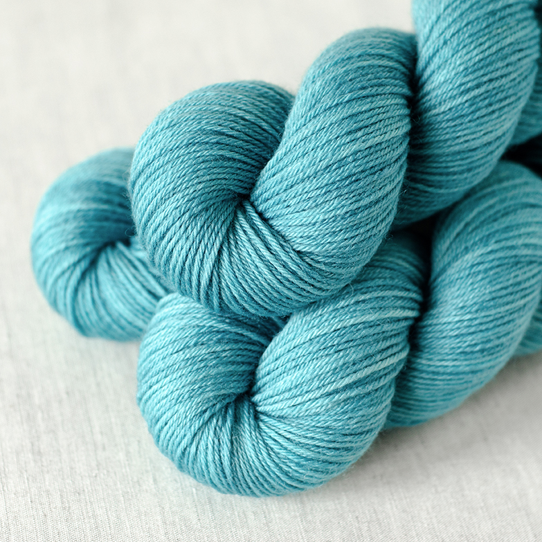 BFL Sport - $24 100% Superwash British Bluefaced Leicester Wool Sport Weight, 4 plies 285 yards / 260 meters Suggested needles: US 3-6 / 3.25-4mm Hand wash or machine wash gentle cycle, dry flat BFL Sport is a soft, slightly lofty sport weight yarn.