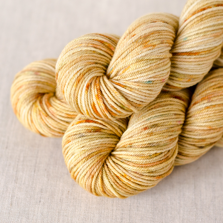 Merino Worsted - $19 100% Merino Wool Worsted Weight, 4 plies 218 yards / 200 meters Suggested needles: US 6-8 / 4-5mm Hand wash, dry flat Merino Worsted is a natural, untreated wool that may be felted.