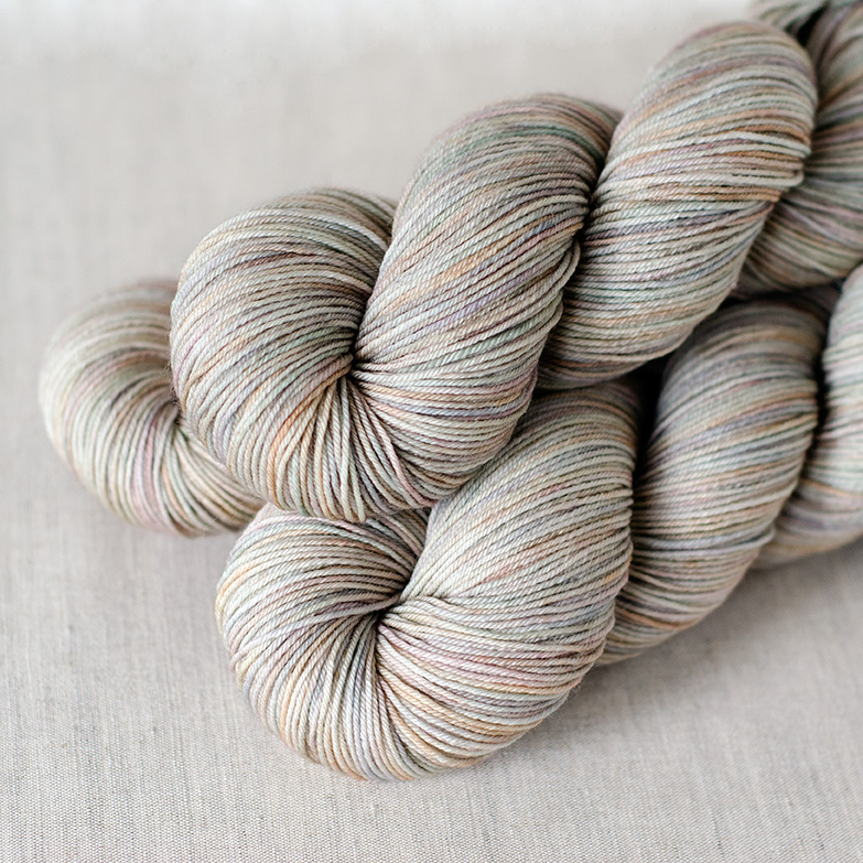 SW Merino Fingering - $22 100% Superwash Merino, 4 plies Approx. 437 yards (400 m) / 100 grams Suggested needles: US 1-5 / 2.25-3.75mm Hand wash or machine wash gentle cycle, dry flat SW Merino Fingering is a soft, springy, 4 ply yarn.