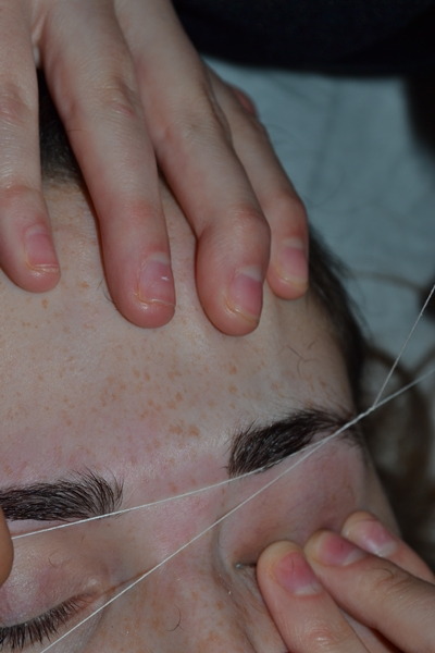 threading eyebrows 13.JPG