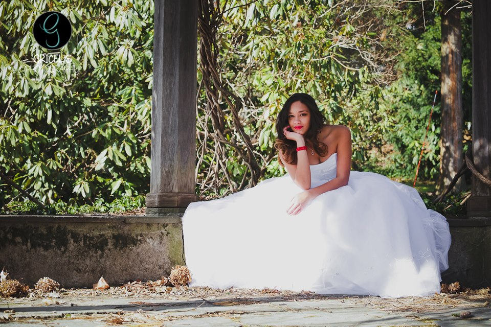 yvelsphotography-gricelphotography-wedding-dress-photo.jpg