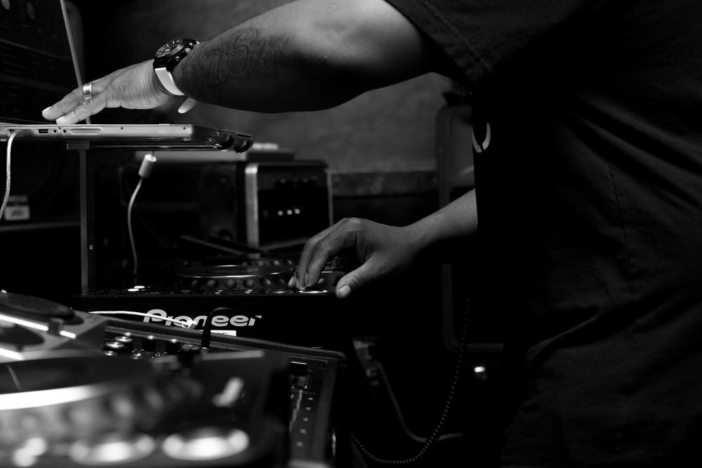 yvelsphotography_DJ_HardCore_AshLounge-1.jpg