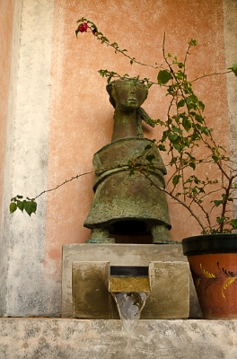 A fountain at the hotel, El Convento
