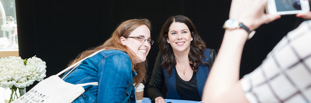 Lauren Graham meets with fans and signs copies of her debut novel, SOMEDAY, SOMEDAY, MAYBE,at a pastOpen House.