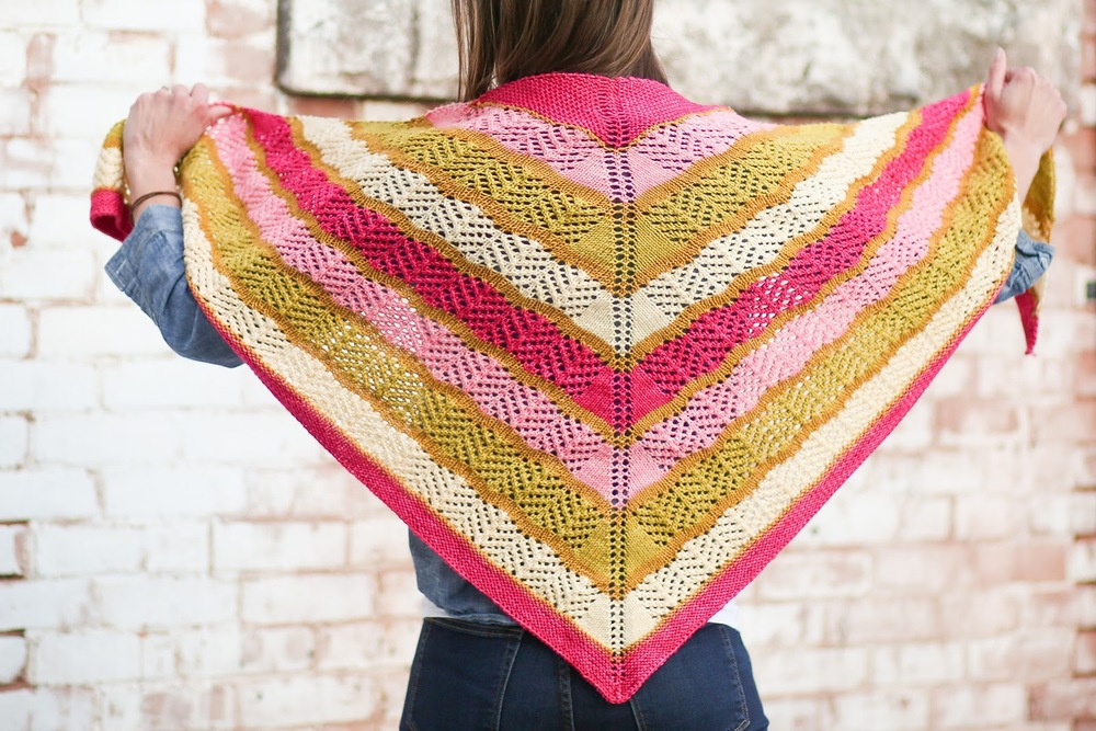 Lorelai Shawl Pattern by Shannon Cook, Image © Betsy Jo Photography