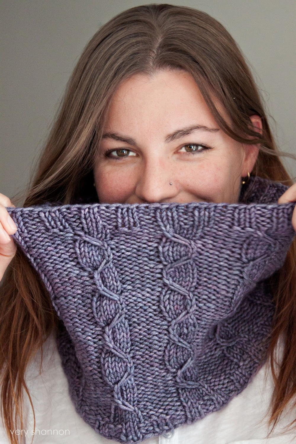 Lansbury Cowl Pattern || Very Shannon