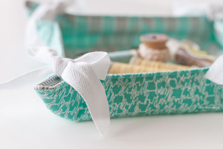 Fabric Basket Pattern from Simple Sewing || luvinthemommyhood.com