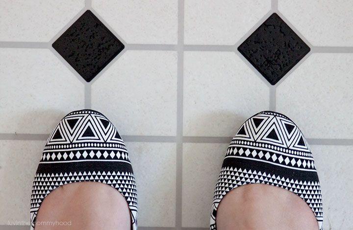 black & white triangle shoes on luvinthemommyhood.com