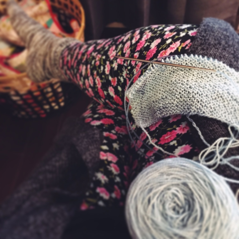 Sweet Legs & Neighbourhood Fiber Co Yarn || VeryShannon.com