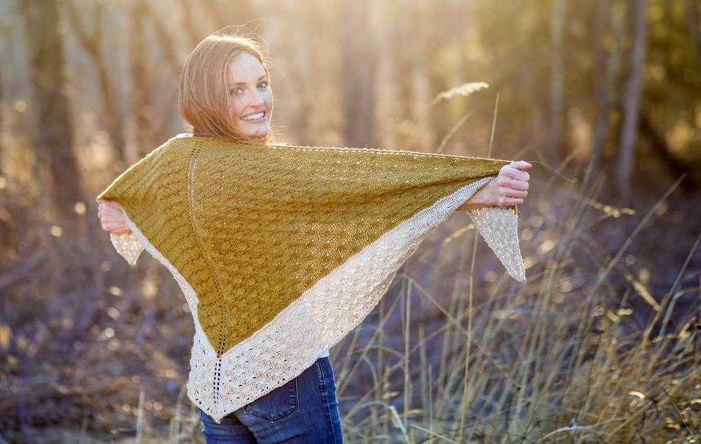 Amberle Shawl Knitting Pattern by Shannon Cook of VeryShannon.com #amberleshawl