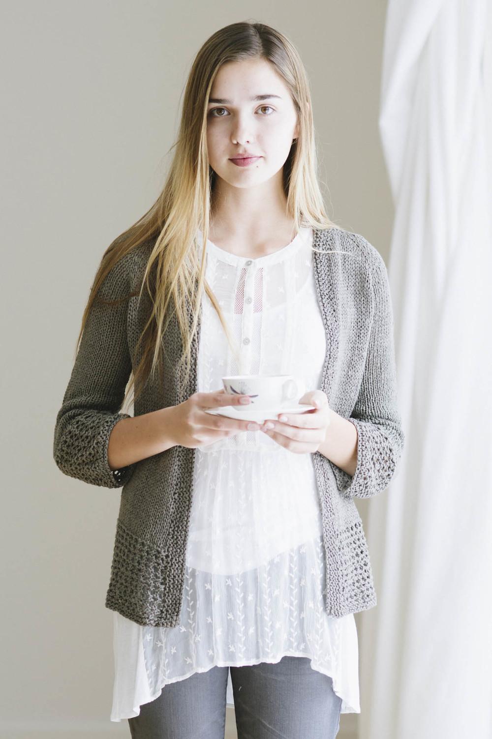 quince-co-jessamin-melissa-labarre-knitting-pattern-kestrel-1.jpg
