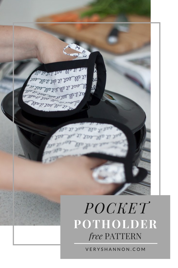 Pocket Potholders Free Pattern by VeryShannon.com #pocketpotholders #free #sewing #pattern #potholders