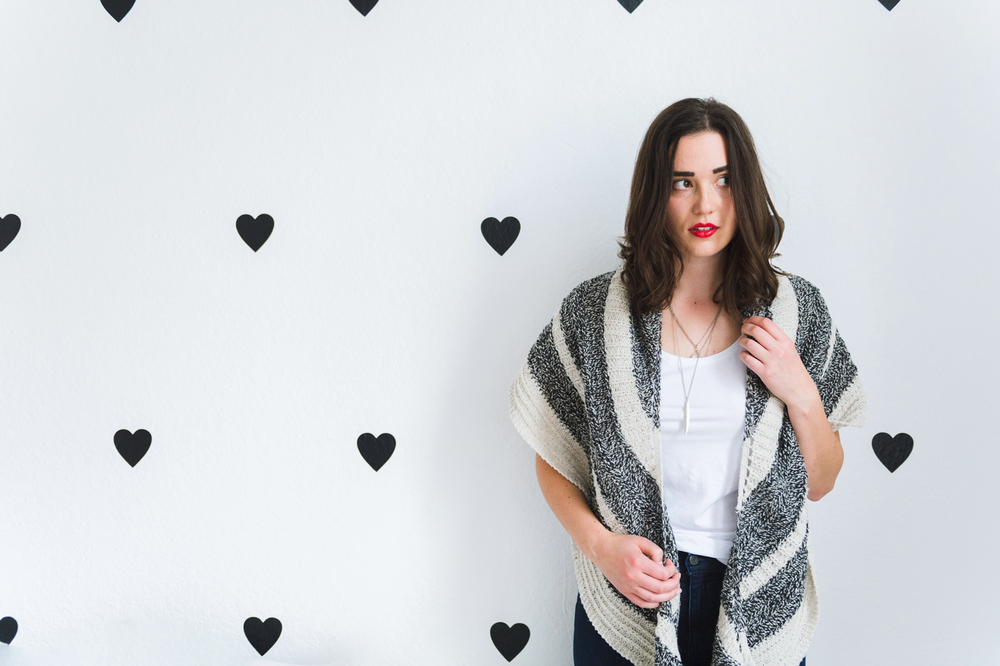 Feyre shawl knitting pattern by Shannon Cook of VeryShannon.com #feyreshawl