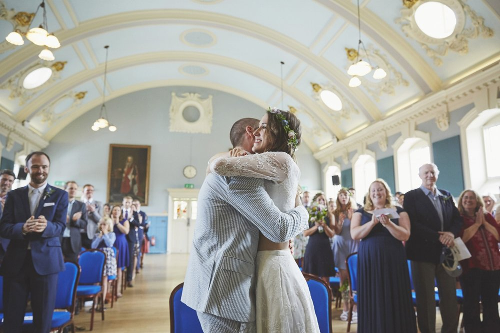 Henley Town Hall Wedding Photography | Sara Lynd Weddings | Alternative, Documentary, Creative Wedding Photographer based in London