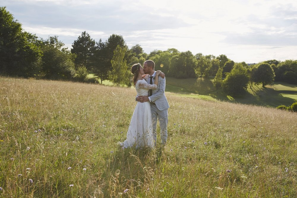 Henley Town Hall Wedding Photography | Village Hall Wedding | Sara Lynd Weddings | Alternative, Documentary, Creative Wedding Photographer based in London