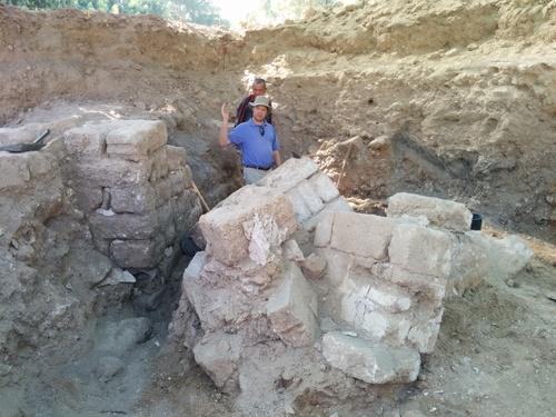 Daniel Master surveys the walls in Grid 32
