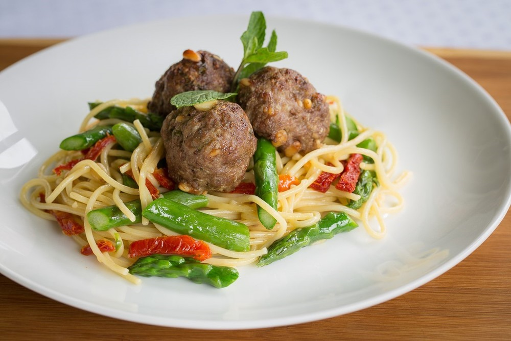 Sundried Tomato Spaghetti & Meatballs | Parmesan Meatballs Served Over Spaghetti with Sundried Tomatoes & Asparagus