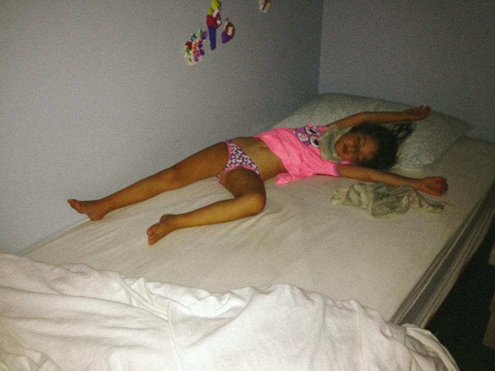 Pippa sleeping on a hot night, Lang Lang, 2013