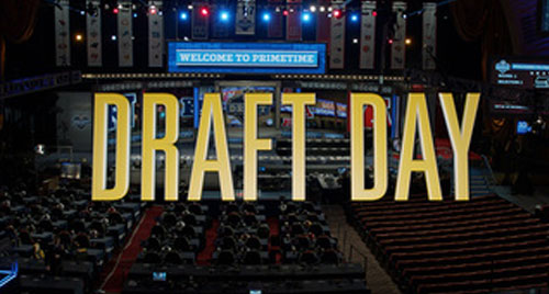 DRAFT DAY   Lionsgate  main titles, split-screen design
