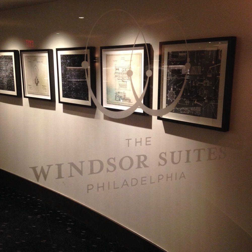 The Windsor Suites, Logo Signage