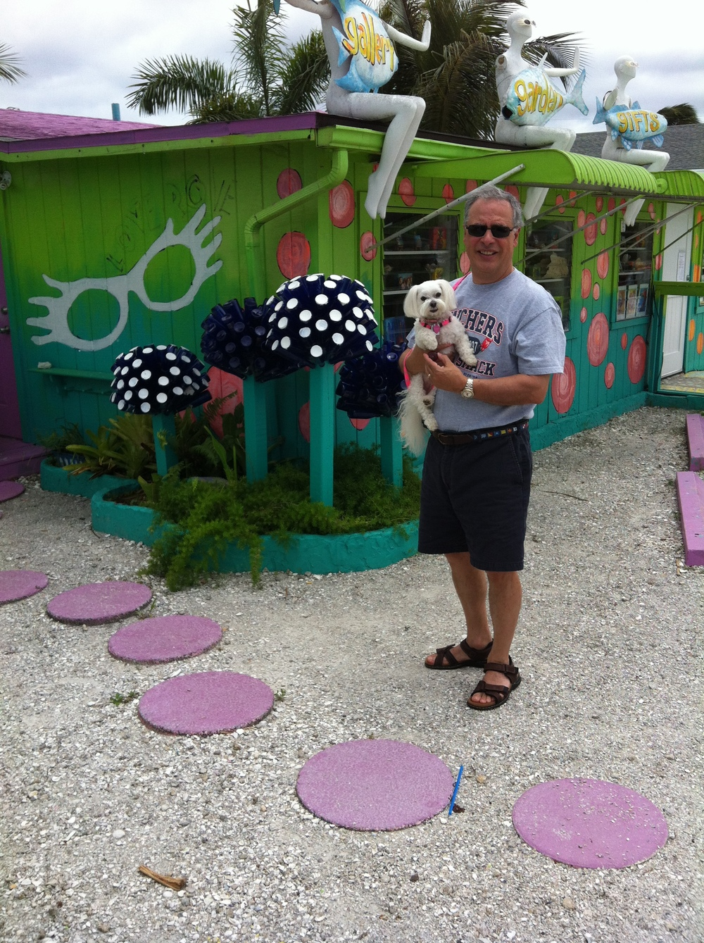 Lila with her grandpa and Nikki in FL