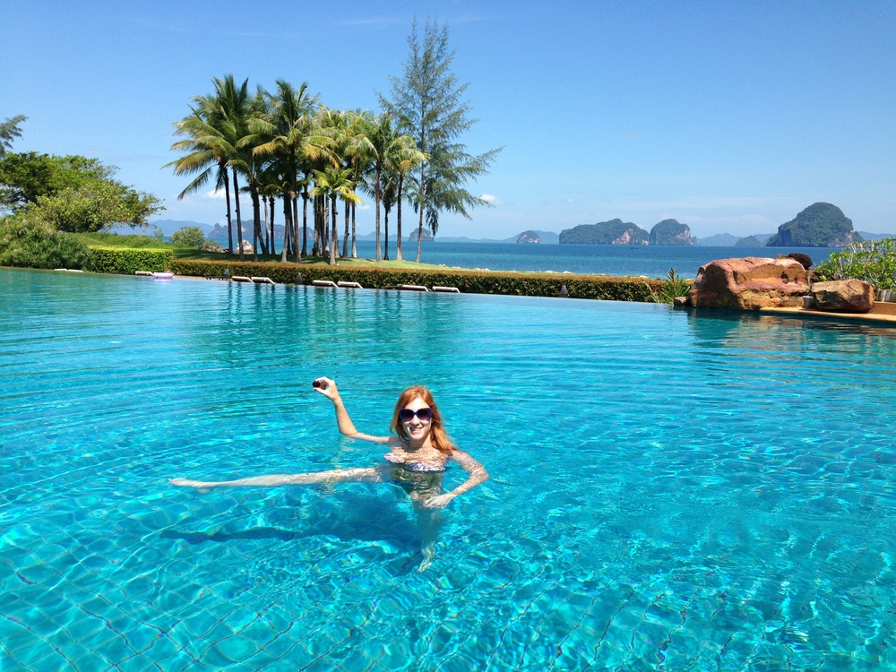 Lila stone in an infinity pool in Thailand T