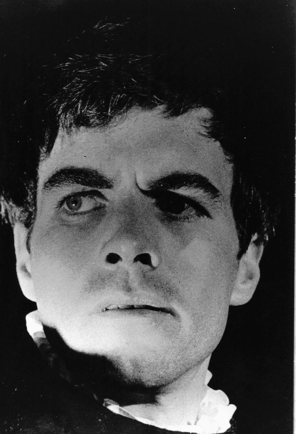 20_John Cairney as Hamlet in 'Hamlet', Glasgow Citizens Theatre 1960.jpg