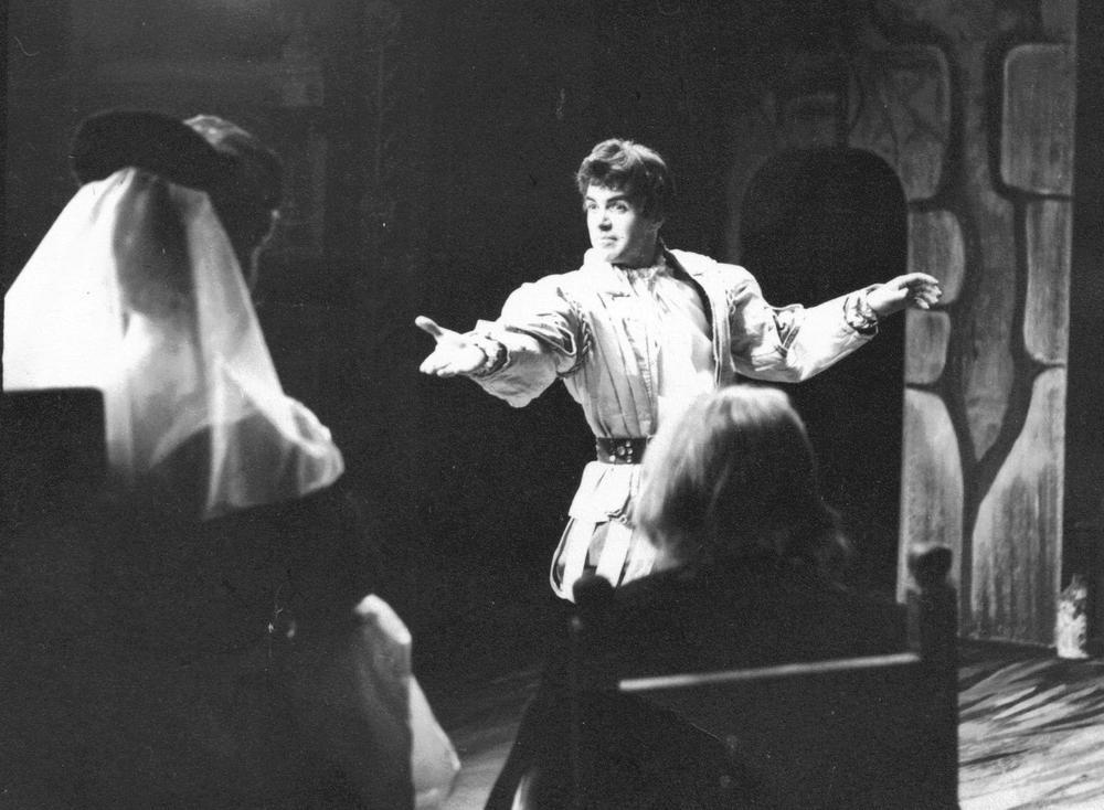 23_John Cairney as Jamie Soutar in 'Battle Royal' Glasgow Citizens Theatre 1964.jpg