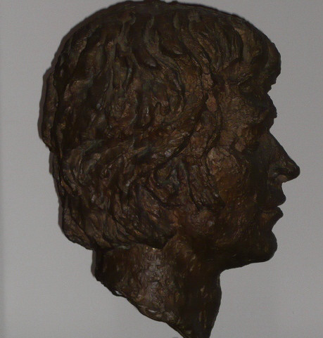 02_Bronze bust by Benno Schotz of John Cairney as Robert Burns 1969 (5).jpg