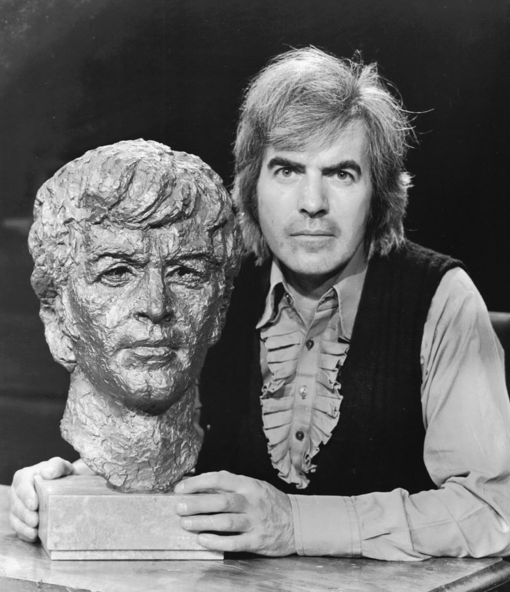 07_Bronze bust of John Cairney as Robert Burns 1969.jpg