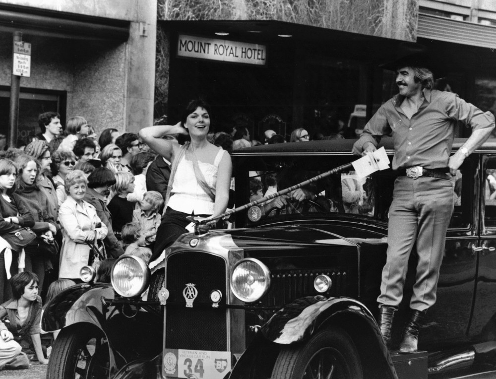 06_John Cairney & Alannah O'Sullivan in The Edinburgh Festival Parade 1978 (2).jpg