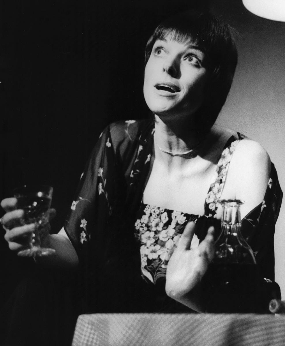 17_Alannah O'Sullivan as Dorothy Parker in 'As Dorothy Parker Once Said' Auckland Festival NZ 1980 (2).jpg