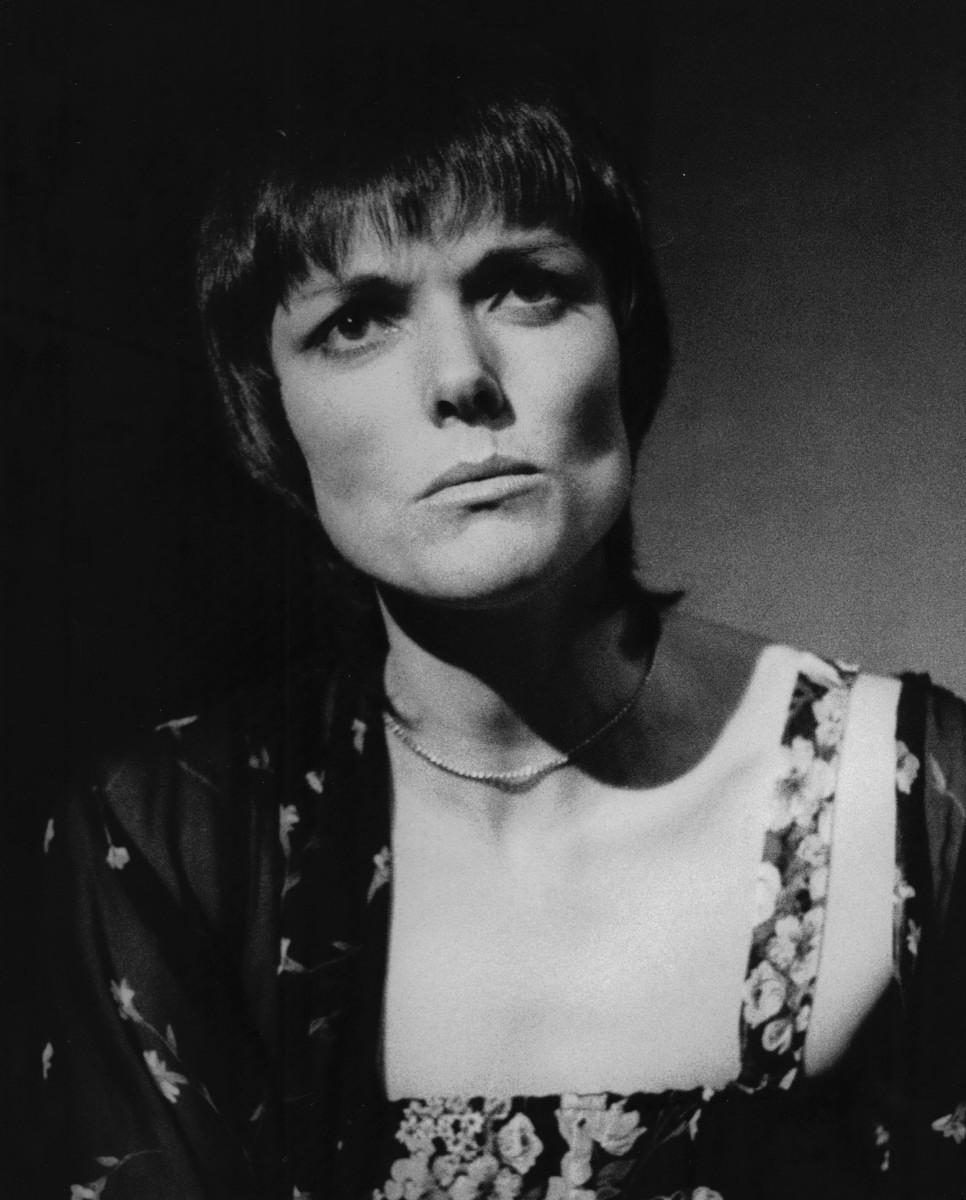 18_Alannah O'Sullivan as Dorothy Parker in 'As Dorothy Parker Once Said' Auckland Festival NZ 1980 (3).jpg