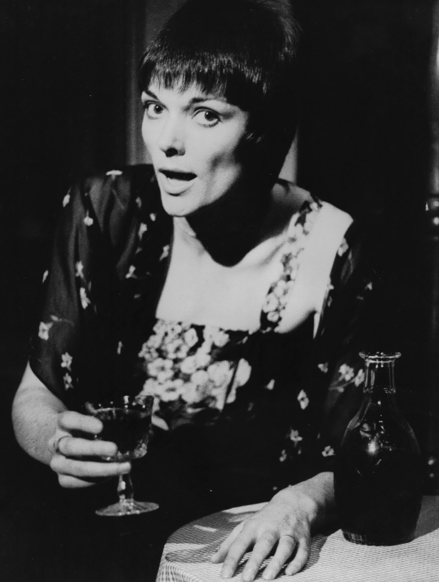 20_Alannah O'Sullivan as Dorothy Parker in 'As Dorothy Parker Once Said', Auckland Festival NZ 1980.jpg