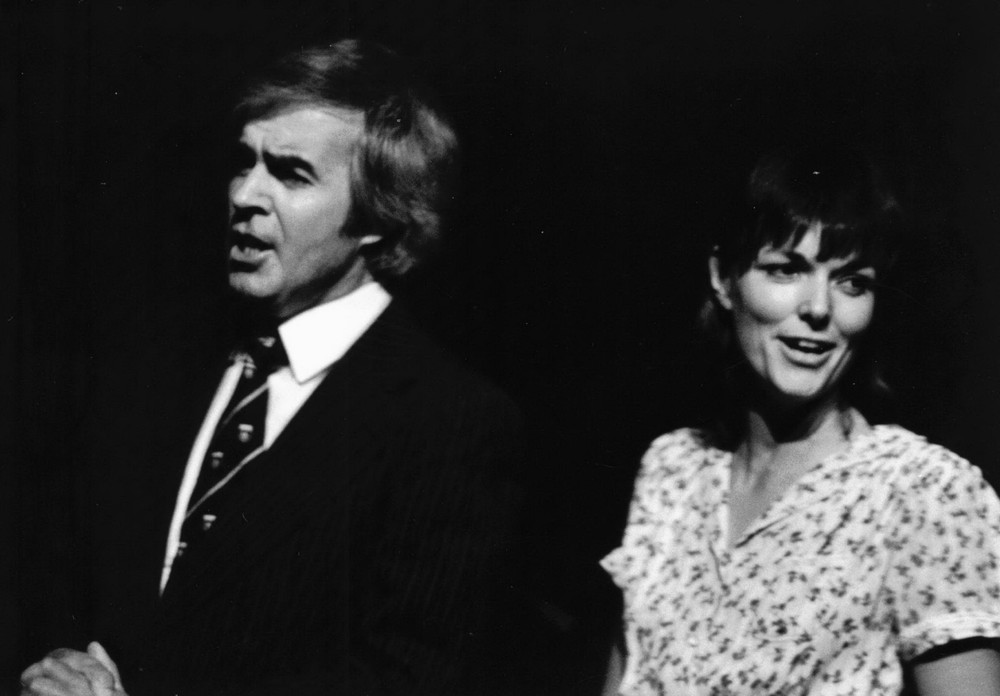 30_John Cairney & Alannah O'Sullivan in 'Blackout' Scottish Tour 1983 (2).jpg
