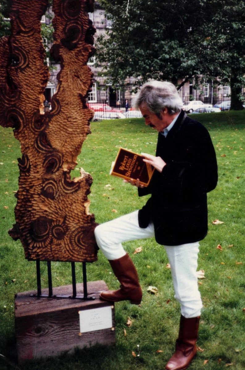 43_John Cairney as Robert Louis Stevenson, Edinburgh Book Festival 1985.jpg