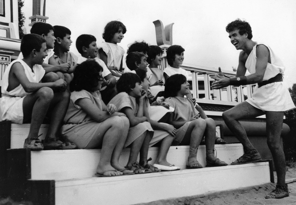 8_John with children in Palinuro on location 'Jason & the Argonauts'.jpg