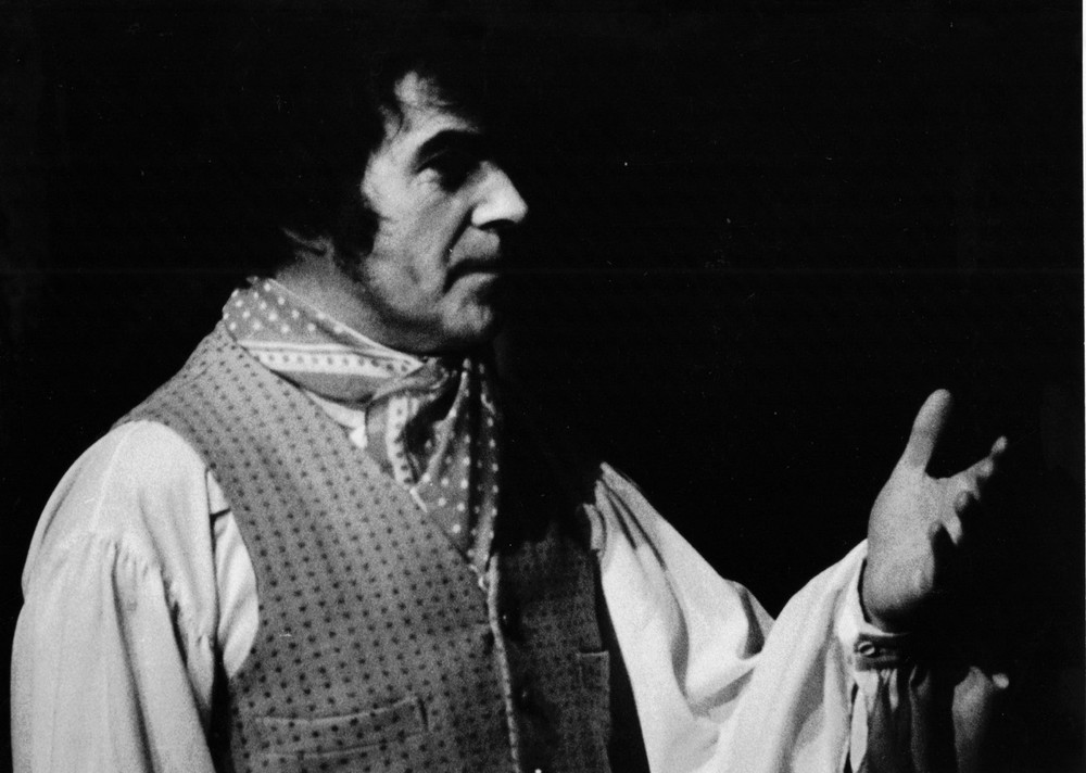 11_John Cairney as Robert Burns, c1968.jpg