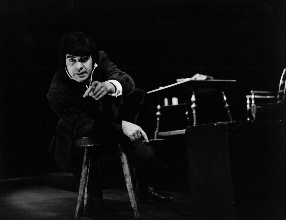 17_John Cairney as Robert Burns, Theatre Royal, Dumfries 1967.jpg