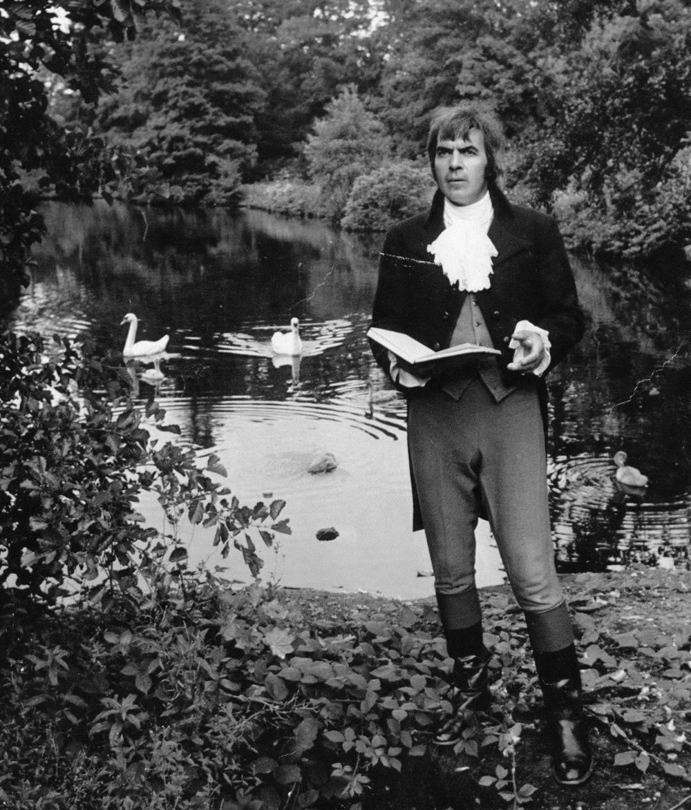 25_John Cairney as Robert Burns, Rozelle Park, 1976.jpg