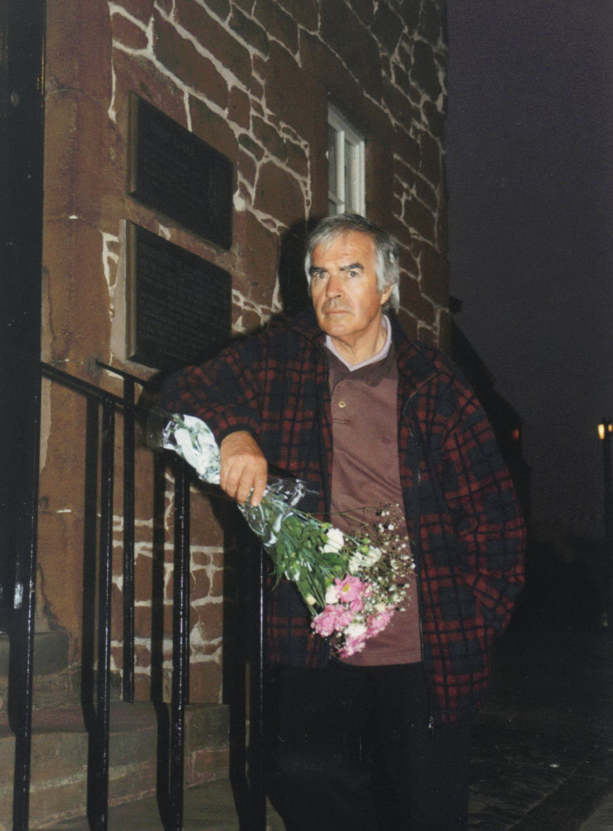31_Laying flowers at Burns House dawn 1996 on bi-centenary of Burns' death.jpg