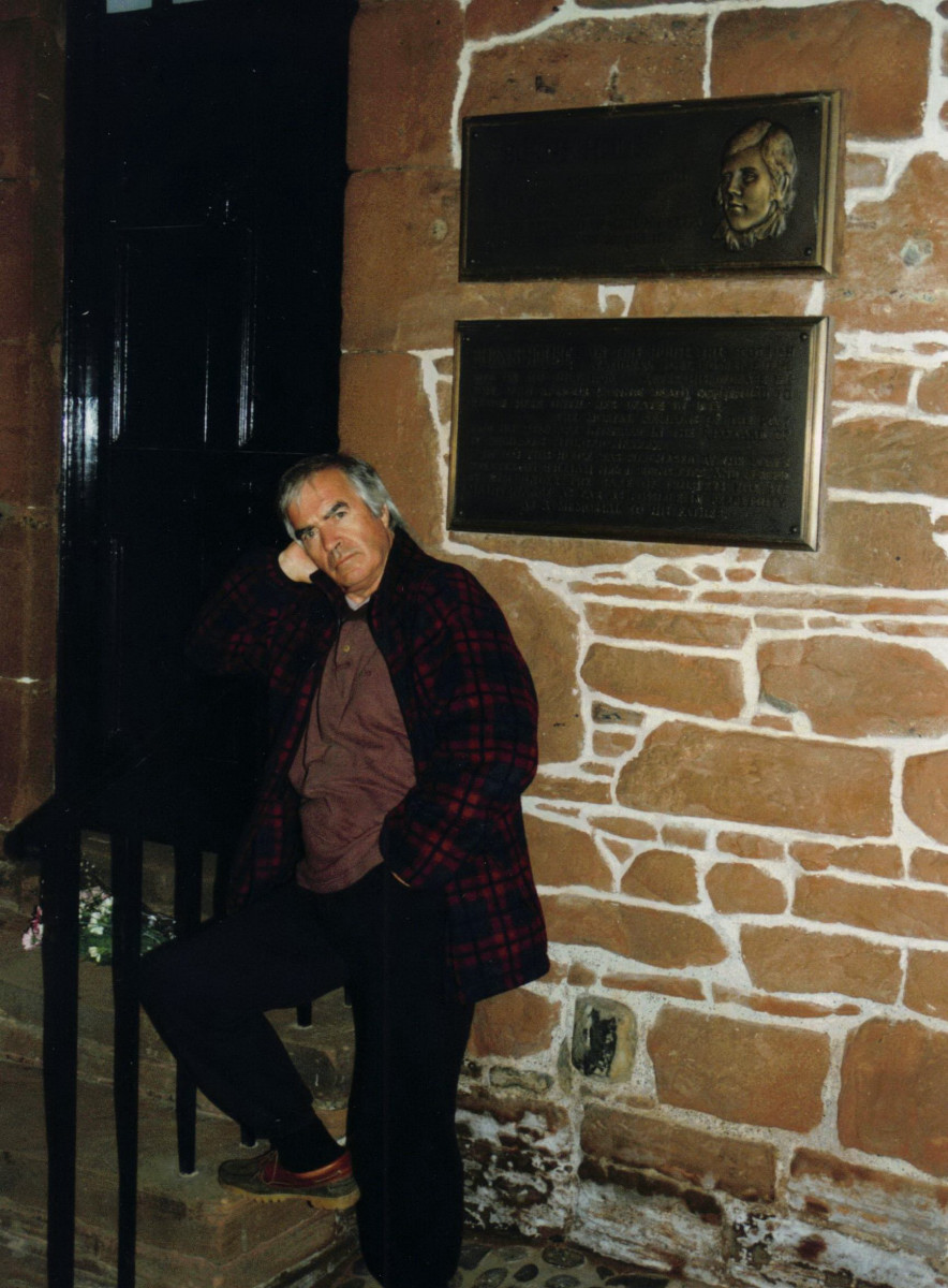 32_Laying flowers at Burns House in Dumfries on Burns' bi-centenary 1996.jpg