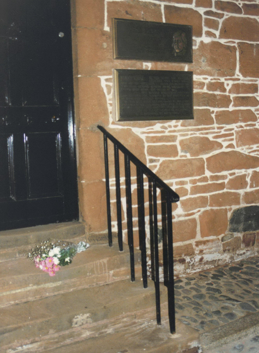 34_Only flowers laid at Burns' House at dawn on Burns' bi-centenary 1996.jpg
