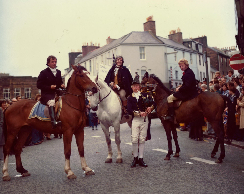 35_John Cairney as Robert Burns, The Riding in Dumfries c1970.jpg