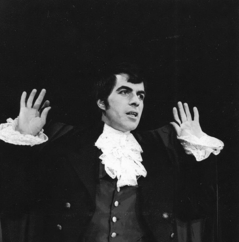 45_John Cairney as Robert Burns, Publictity shot 1965.jpg